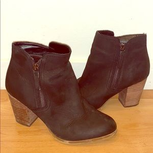 Cute black booties - perfect for fall